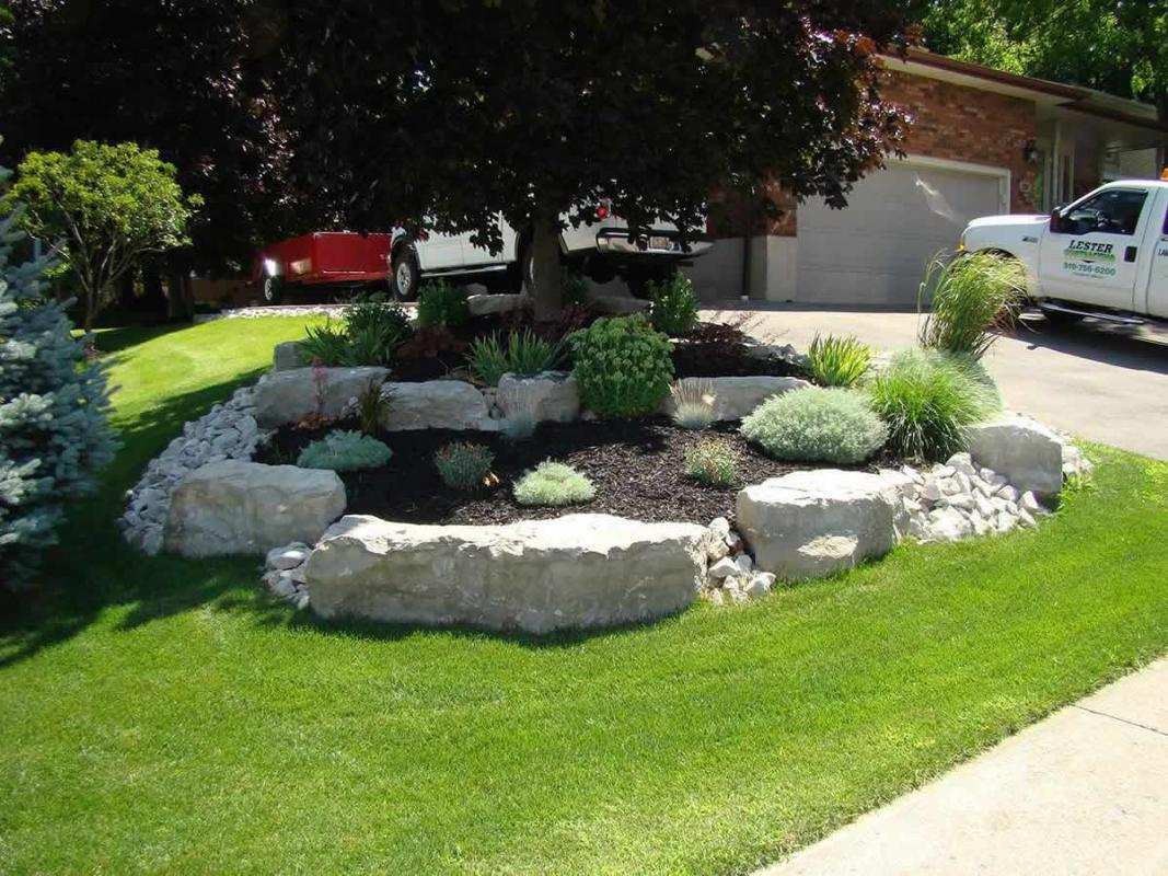 Armour stone landscaping photo gallery lester contracting for Stone landscaping ideas